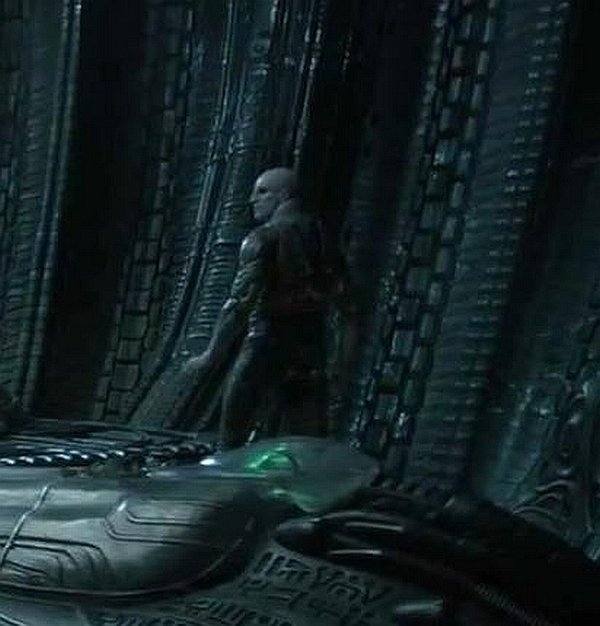 normal_9950Prometheus_Space_Jockey3.jpg